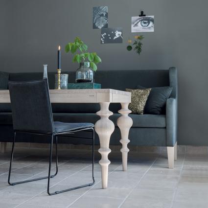viola-spisebord-og-kyst-stol