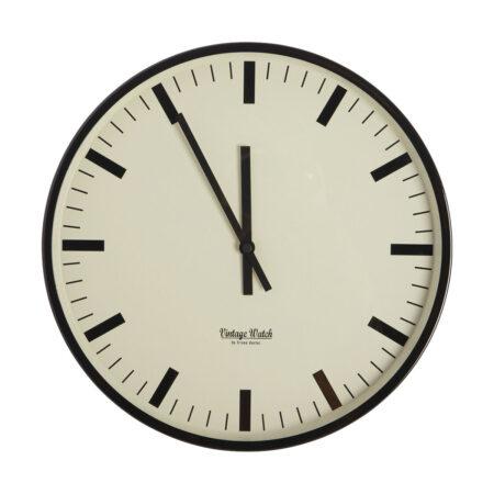 svart klokke