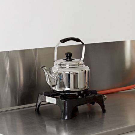 Hay water-kettle_910x1100_brandmodel