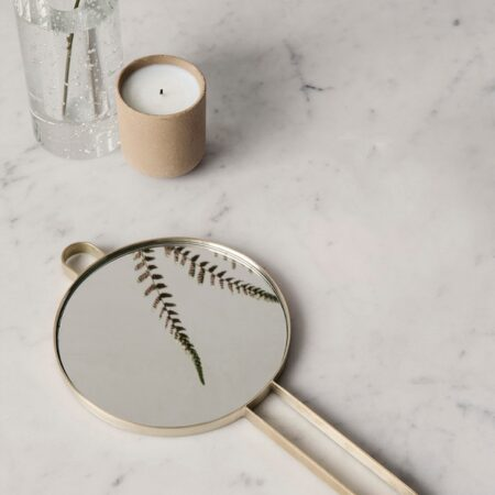 Fermliving Poise hand mirror - brass
