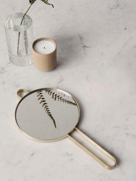 Fermliving Poise hand mirror - brass