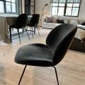 Gubi beetle lounge chair antrachit velvet