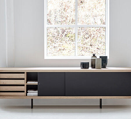 DK3 1-web-grand_sideboard_oak_soap_black_laminate_lb8