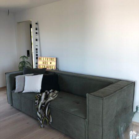 HK Living Cube sofa hos Tove